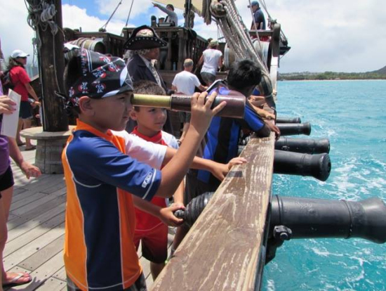Waikiki Pirate Ship Daytime Cruise Kids Lost Treasure Hunt - Pirate ship cruise hawaii