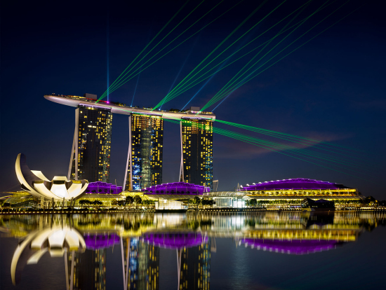 enjoy a night out around marina bay singapore explore the gardens by the bay conservatories head up the marina bay sands skypark then sample some local - Garden By The Bay Bar