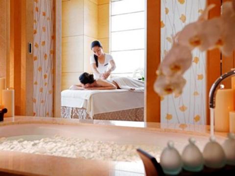 【スパ/エステ】スパインターコンチネンタル☆5つ星有名ラグジュラリーホテル内で優雅な伝統スパ体験<プール使い放題>