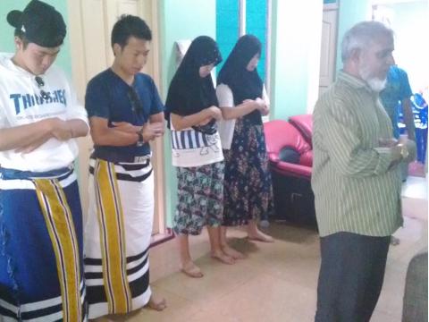 イスラム教お祈り体験
