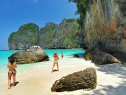 phi phi island (3) maya bay