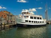 USA_Boston_Harbor Cruises_Historic Sightseeing