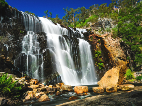cropped Australia_Victoria_Grampians_Mackenzie_Falls_shutterstock_186981500