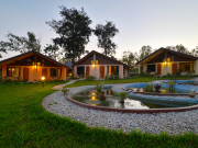 3.Museflower_Retreat&Spa_bungalow_cottages_pond