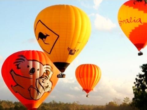 熱気球遊覧飛行 幻想的な空の旅!<空港お送りOK>