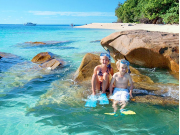 fitzroy_island_family_snorkelling