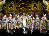 Final Cirque -®Moulin Rouge-« - S.Bertrand