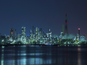 Japan_Kanagawa_Yokohama_factory_night_view_shutterstock_590121956
