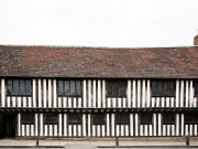 Shakespeare's Schoolroom & Guildhall_external_landscape_Sara Beaumont Photography
