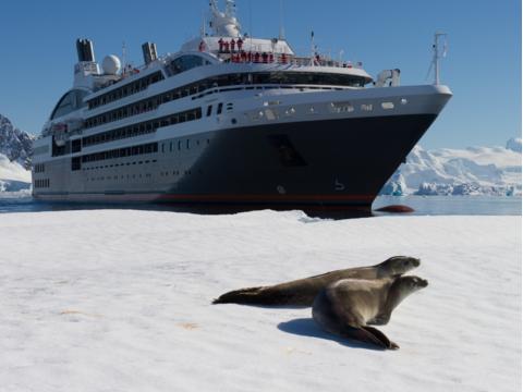 ポナン南極クルーズツアー ~南極半島とサウスシェットランド諸島~<11月~2月出発日限定/10泊11日/ブエノスアイレス発>