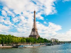 France_Paris_Eiffel_Tower_Seine_River_Cruise_shutterstock_109282877