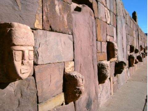ティワナク遺跡ツアー