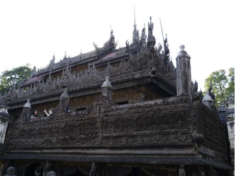 マンダレー・シュエナンドー僧院