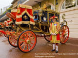 Buckingham_Palace_State_Rooms_and_Royal_Mews_3986_25697