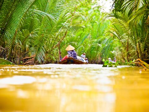 Vietnam_Ho_Chi_Minh_Mekong_Delta_River_Boat_Cruise_shutterstock_166508399