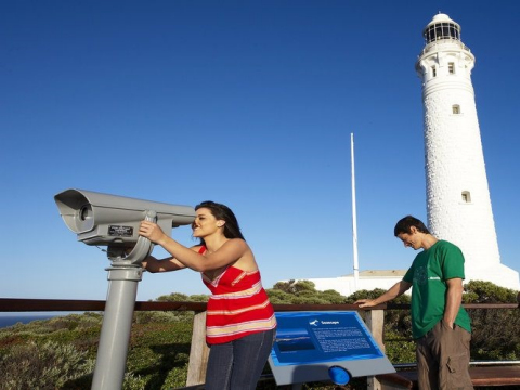 rsz_margaret_river_-_amrta_-_cape_leeuwin_lighthouse_credit-900x500
