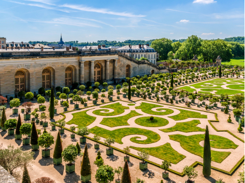France_Versailles_Chateau_Palace_Garden_shutterstock_353035727