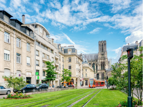 France_Champagne_Reims_City_Street_shutterstock_463125644