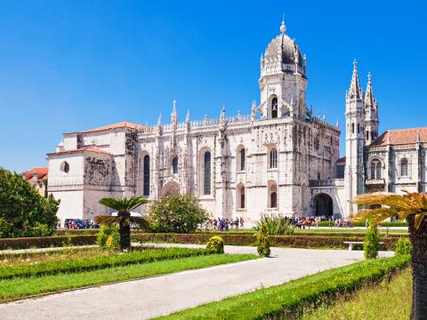 Portugal_Lisbon_Jeronimos Monastery_shutterstock_305518052