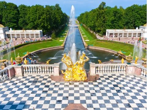 Russia_Saint_Petersburg_Peterhof_Summer_Palace_Garden_Fountains_shutterstock_164643101
