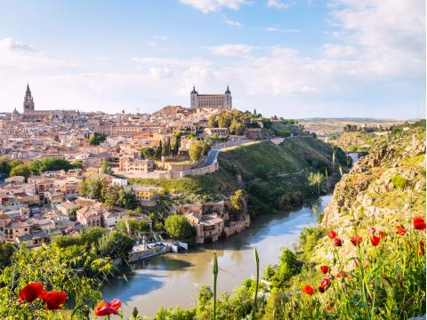 Spain_Toledo_Cityscape_shutterstock_429321904 (1)