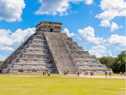 Mexico_Yucatan_Chichen_Itza_shutterstock_517078540