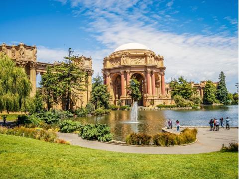 USA_California_San_ Francisco_Palace_of_Fine_Arts_shutterstock_597671912