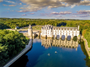 France_Loire_Valley_Chateau_de_Chenonceau_Castle_shutterstock_698368123