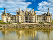 France_Loire-Valley_Chateau-de-Chambord_shutterstock_652816378