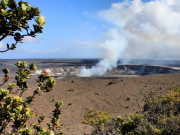Hawaii_Big_Island_Kilauea_volcanos_National_Park_shutterstock_127386245