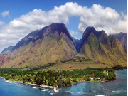 US_Hawaii_West_Maui_Aerial_View_Helicopter_shutterstock_556725328