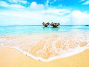 Japan_Okinawa_beach_shutterstock_293463935