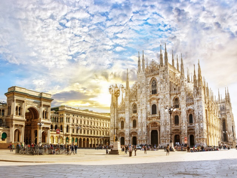 Cathedral Duomo di Milano_shutterstock_662857045