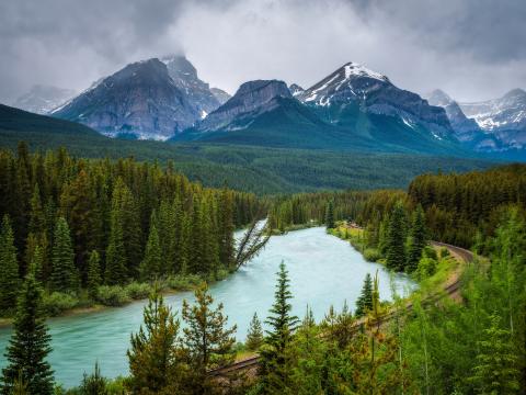 Canada_Banff_Bow_Valleyshutterstock_687857731