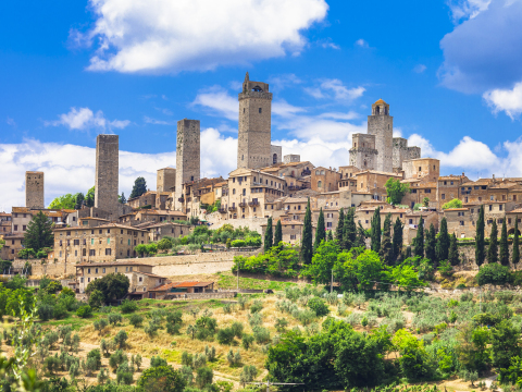 Italy_Tuscany_San_Gimignano_shutterstock_383524231