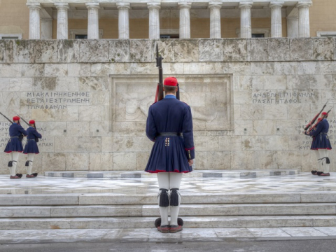 Tomb-of-the-Unknown-Soldier_shutterstock_74337736