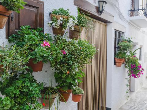 Spain_Granada_Capileira_shutterstock_325940345