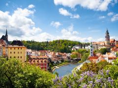 Czech_Republic_Cesky_Krumlov_Castle_River_City_shutterstock_245107864