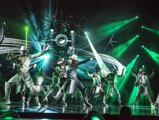 シルク・ドゥ・ソレイユ チケット予約 「Michael Jackson ONE」 | ラスベガスの観光・オプショナルツアー専門 VELTRA(ベルトラ)