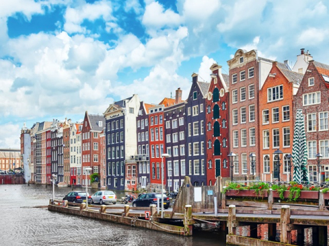 Netherlands_Amsterdam_Streets_123RF_49620362_ML