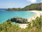 Hawaii_Oahu_North Shore_Waimea Bay_shutterstock_36480553