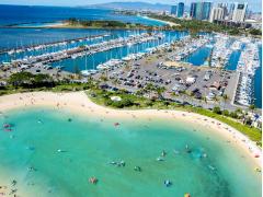 Hawaii_Oahu_Ala Wai Harbor_Waikiki_shutterstock_597672260