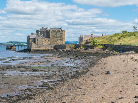 Scotland_Blackness Castle_shutterstock_675789226