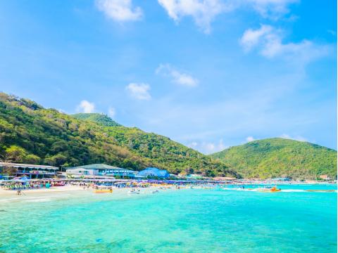 Thailand_Pattaya_Ko_Lan_Island_Beach_shutterstock_187552616