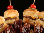 D_B(1_5)- 山頂洞人套餐(聖路易士風豬肋排配夏威夷芝士漢寶寶及薯條)