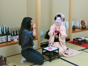 playing fun drinking games with maiko in Kyoto