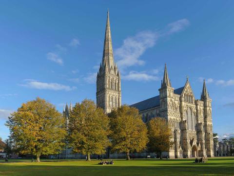 2015-salisbury-cathedral-image-1920-x-1080