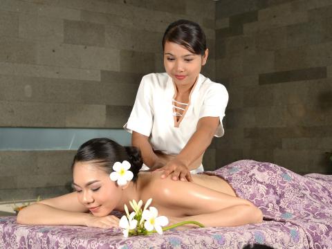 リアン・スパ プレミアム「LiANG Spa Premium」癒しの極上体験<日本語対応/往復送迎付/ジンバラン地区 ウォーターマーク ホテル&スパ内>