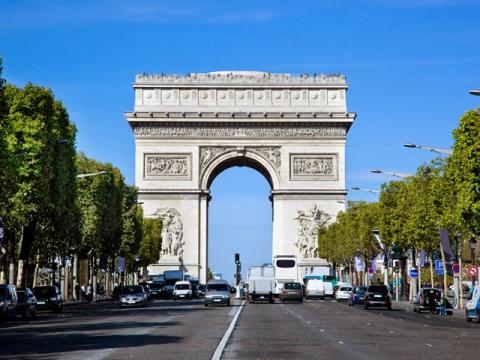France_Paris_Arch-de-Triomphe_shutterstock_118890100