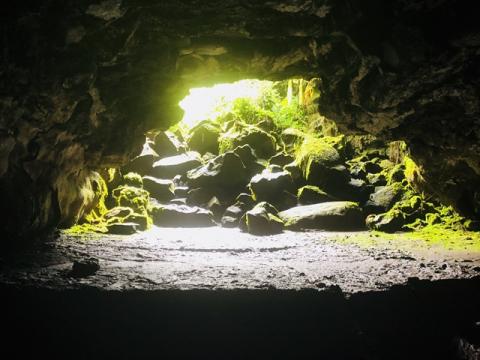 カウマナ溶岩トンネル3